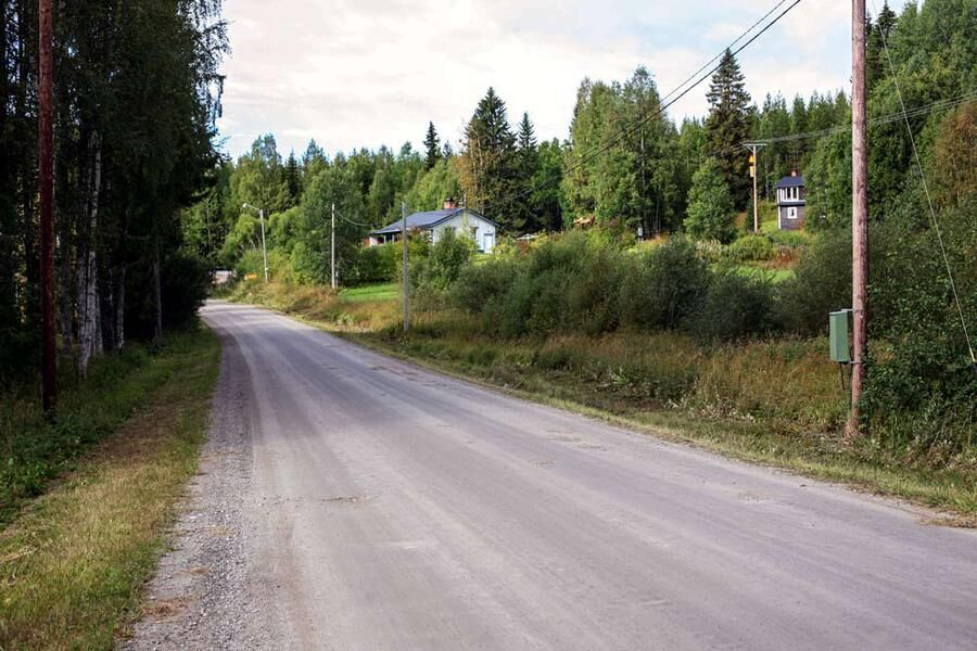 Väg 711 är lång och bland annat genom Hemsjö.