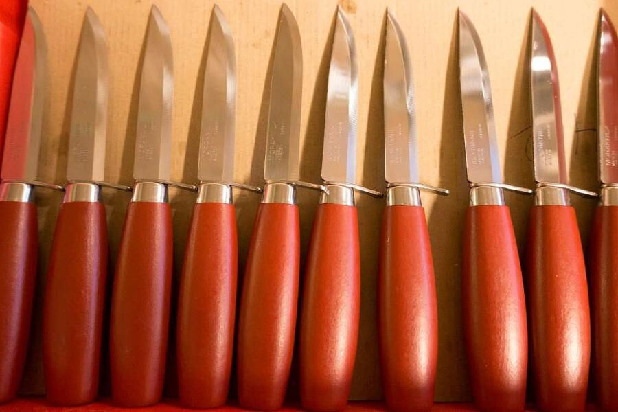 Den klassiska Morakniven tillverkas fortfarande.