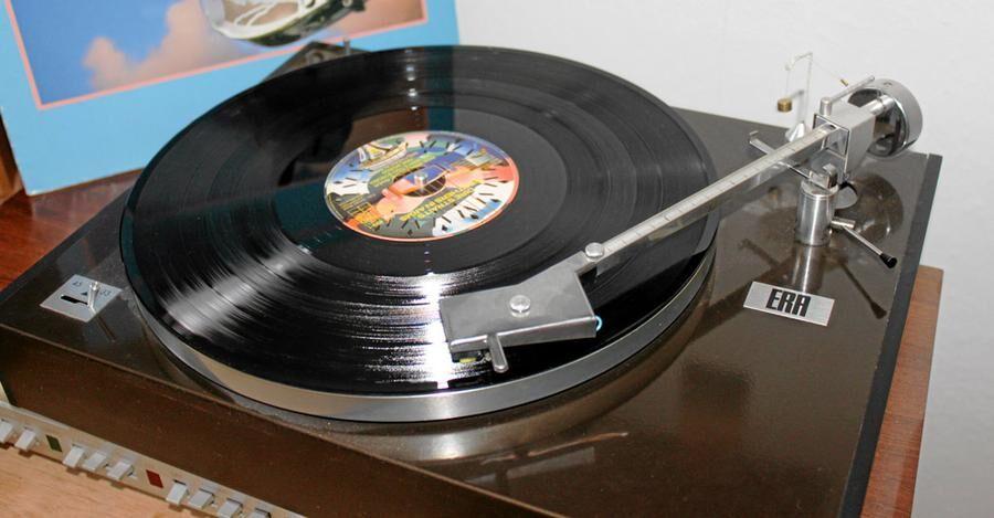 Intresset för vinylskivorna märks i försäljningssiffrorna. 2016 såldes det 537 000 vinylskivor i Sverige.