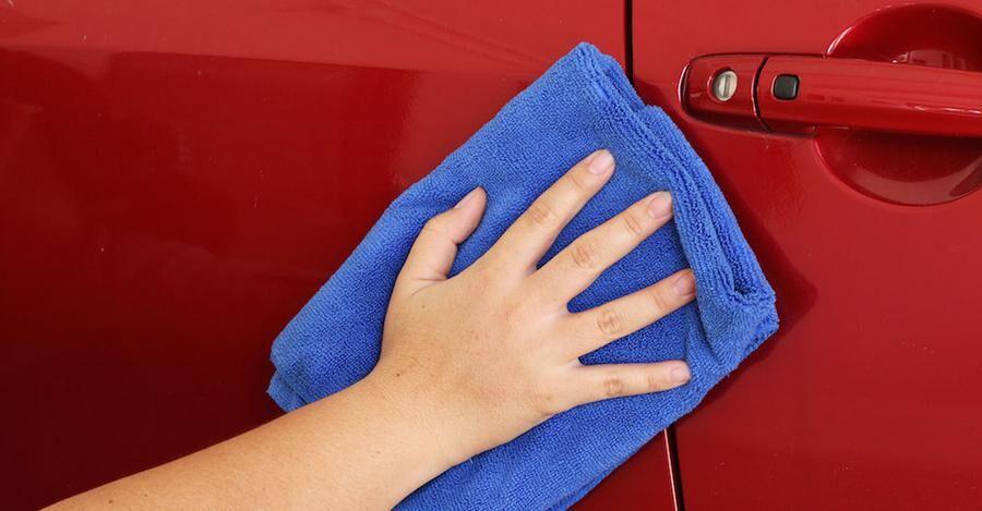 Tvatta bilen