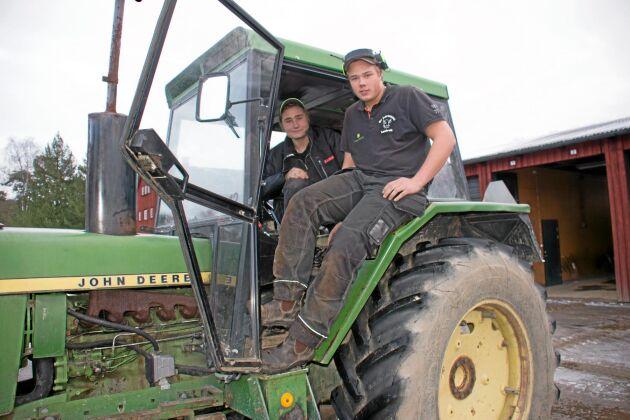 Anton Hermansson och Anton Östlund driver företaget Wermlands Maskinförare UF.