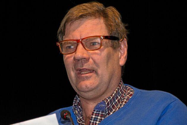 Lennart Bogren, LRF Skövde, var som vanligt en av de flitigaste talarna när regionstämman hölls i Vara och fick med sig fullmäktige kring en motion om livsmedelsstrategin.