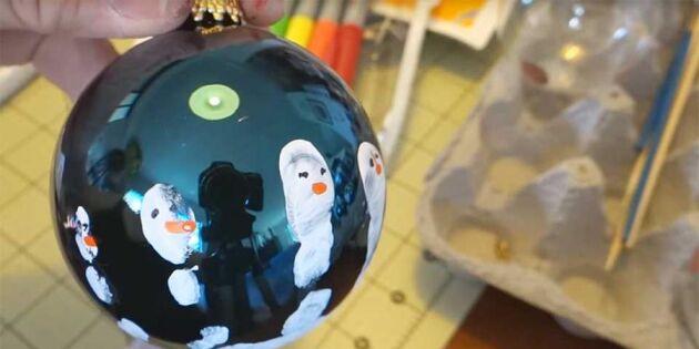 Så gör du fina julkulor med barnens handavtryck