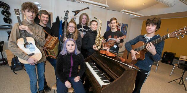 Folkmusik och hårdrock – skolans spelmanslag spelar all sorts musik
