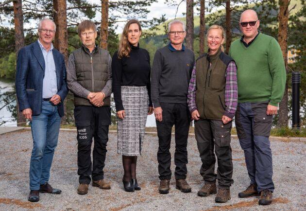 Stiftelsen WFFs grundare, från vänster: Jan Wejdmark, Tomas Lundmark, Greta von Rosen Stövind, Gunnar Olofsson, Maria Hedblom och Bengt Waldemarson.