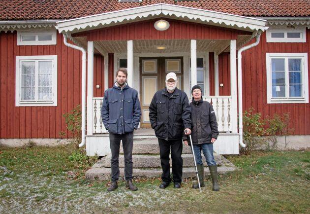 Gården, med anor från 1800-talet, hade stått övergiven när familjen flyttade in.