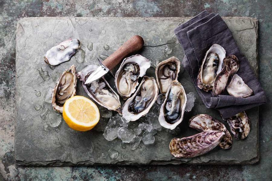 Ostron från Gräbbestad har en fylliga smak av hav och mineraler. Foto: Istock