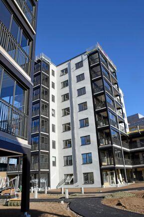 Frostaliden är ett bostadsområde i Skövde där det byggs 369 lägenheter i höga trähus.