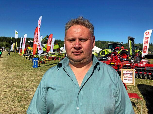 Per Mattsson, utanför Norrtälje, har än så länge inte övervägt att lösa ut ingångna leveranskontrakt.