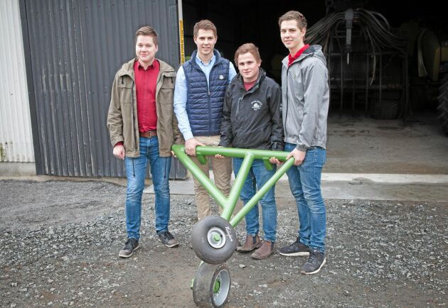 Bildtext 1: De unga entreprenörerna från vänster: Ola Anderberg, Ted Lundgren, Emil Persson, Tim Lundgren.