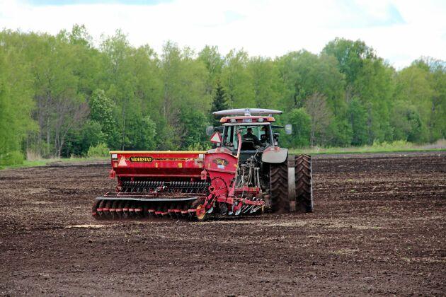 Det totala antalet sysselsatta inom jordbruket minskar. Trenden visar också att antalet företagare minskar medan antalet tillfälligt sysselsatta ökar något.