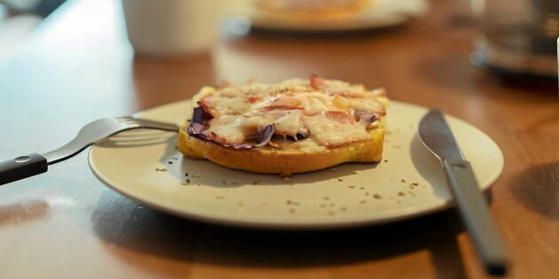 Varma mackor med ost och skinka –snabbt och gott!