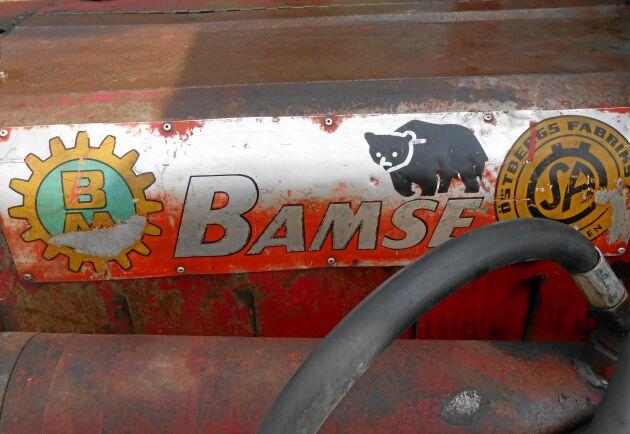 BM och Ösa i samarbete tillverkade denna skogsmaskin kallad Bamse. En seg och stark björn. Det gjorde över 700 exemplar.