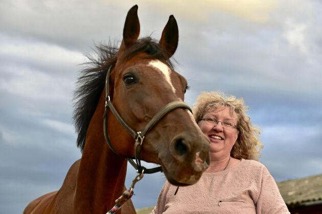 Att bedriva hästuppfödning i norr har många fördelar menar Ingrid Ragnarsson. Stora ytor, mindre parasittryck och bra luft är några av fördelarna.
