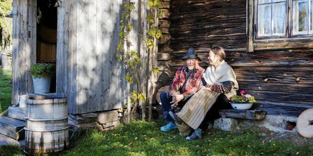 Kika in i Owes och Yvonnes fäbod – där de bor året om!