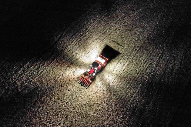 Den nya Maxxum-modellen fokuserar på att höja komforten för föraren med exempelvis ny belysning.