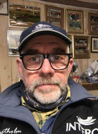 Travhästuppfödaren Håkan Karlsson lyfte frågan om fler dopningsprov på unghästar vid ASVT:s årsstämma.