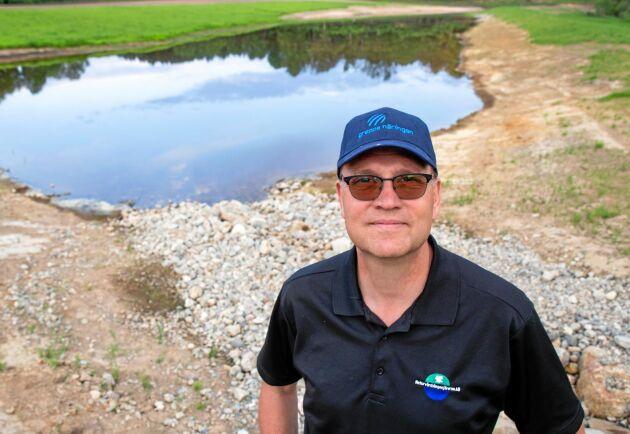 """Tuve Lundström på Naturvårdsingenjörerna ser flera fördelar med lösningen. """"I stället för att använda grundvatten till bevattning kan vi använda dräneringsvatten."""""""