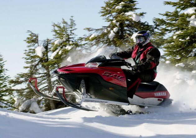 Ett 60-tal snöskotrar har stulits hittills i Norrbotten i år. Personen på bilden har inte med artikeln att göra.