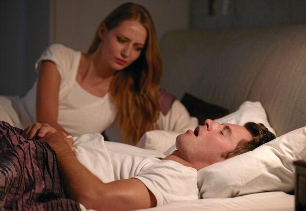 Sömnapné innebär återkommande andningsuppehåll som den drabbade inte brukar märka.