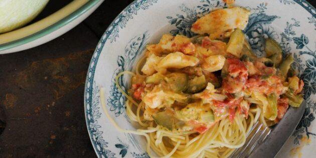 Zucchinisås med halloumi – perfekt till pastan