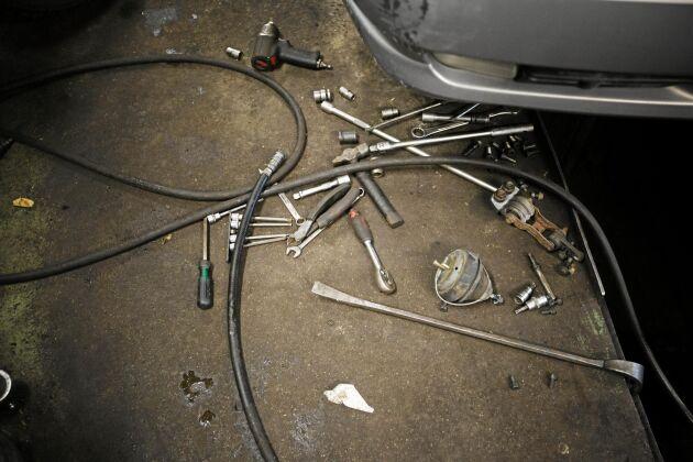 Även verktygen får tjänstgöra länge, inget slit och släng.