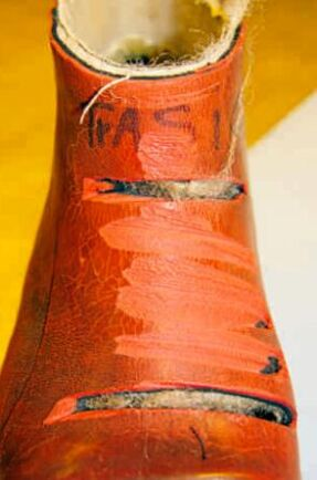 Sågskydd i nylonfiber finns också i huggarstövlar och huggarkängor.