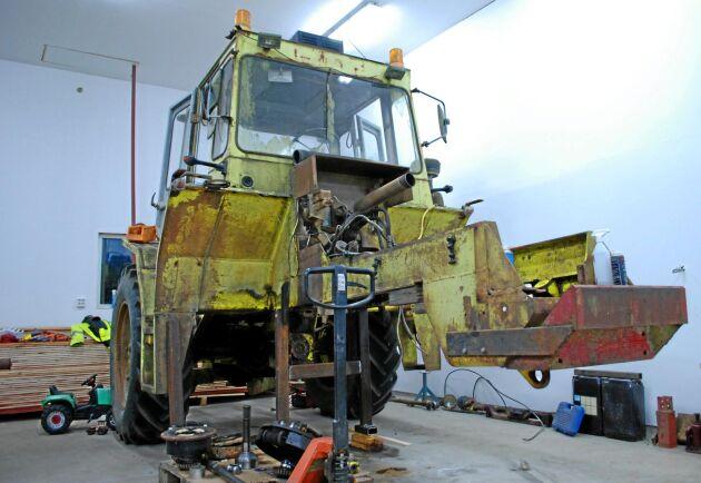 Det stod en Parca 714 på skroten i Oxelösund och det var nära att den aldrig mer skulle få sätta ned sina hjul på en åker igen. Men Kjell & Per-Arne Gustafsson ville annat.