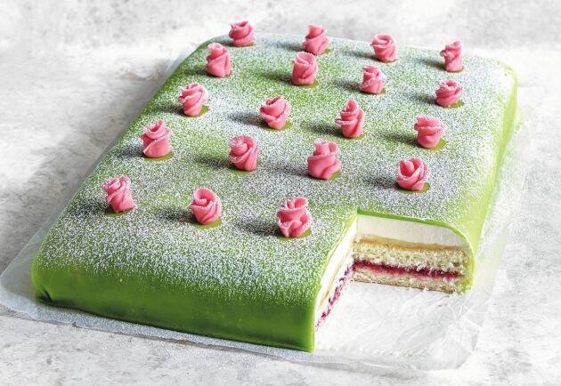 Prinsesstårta i långpanna – den perfekta kalastårtan när man är många.