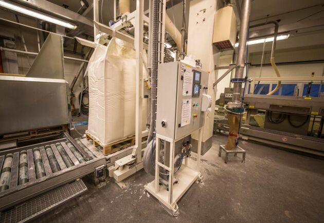Mjölkpulvertillverkning på Arlas fabrik i Visby.