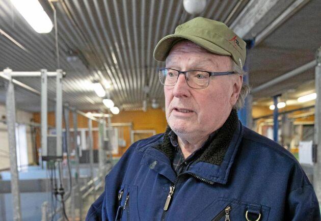 Genom att satsa på planerad produktion med grisar i omgångar och noggrann rengöring av stallarna har Sven-Erik Johanssons uppfödning klarat sig i flera decennier utan tillsatser av antibiotika i fodret.