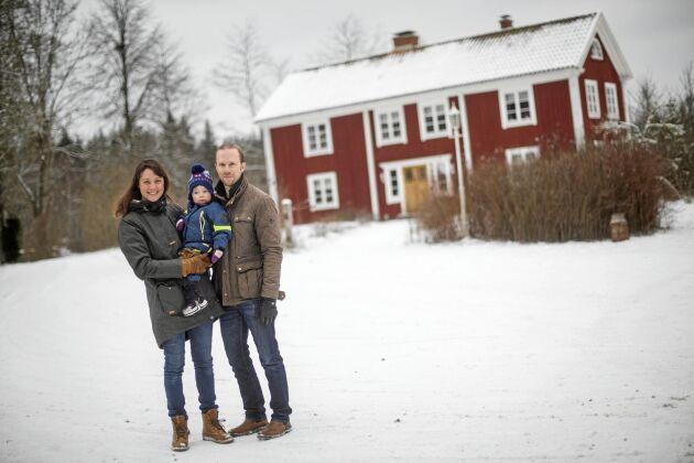Erika Karmengren och Simon Svensson flyttade till byn Ledja i Blekinge, trots att det var en avfolkningsbygd.