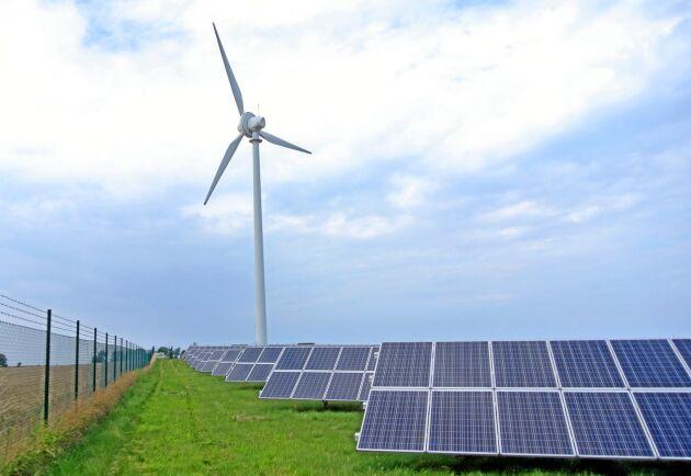 Sol och vind har bara lyckats leverera 20 procent av behovet av el till byn Simris.