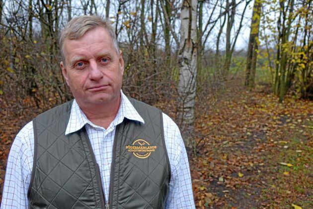 Peter Holmberg, Uddberga gård i Sörmland, vill se hårdare tag mot klövviltet.