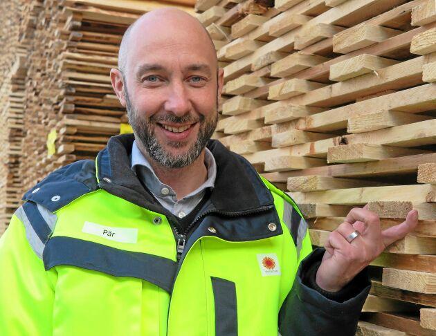 """""""Det är inte några traditionella byggjobb vi erbjuder"""", säger Pär Larsson om rekryteringarna till den nya KL-linjen i Gruvön."""