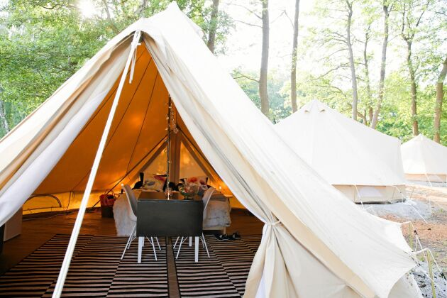 Lyxiga glamping-tält gör tältlivet enkelt. Och bekvämt.