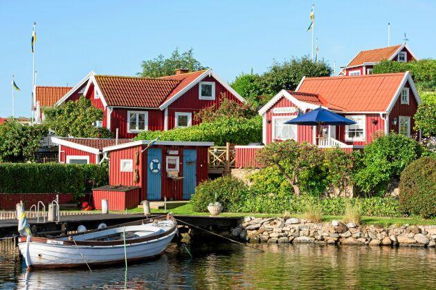 I kuststaden Karlskrona finns fantastiska sommarmiljöer. Passa på att hyra en stuga!