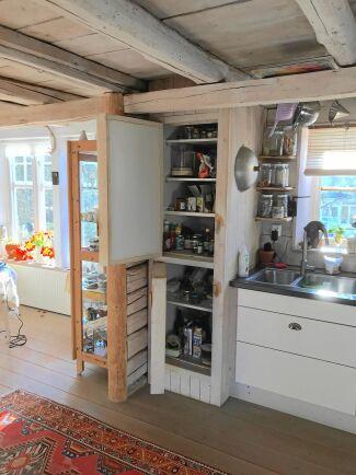 Så här ser naturkylskåpet ut, med sin välisolerade dörr.