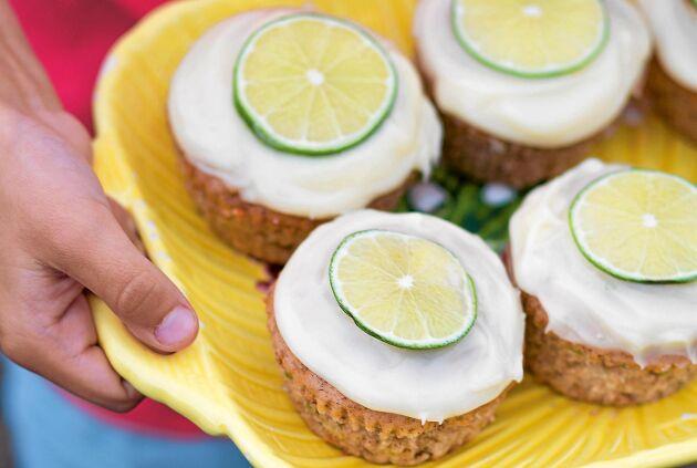Saftiga och jättegoda muffins med lite syrligt uppepå.