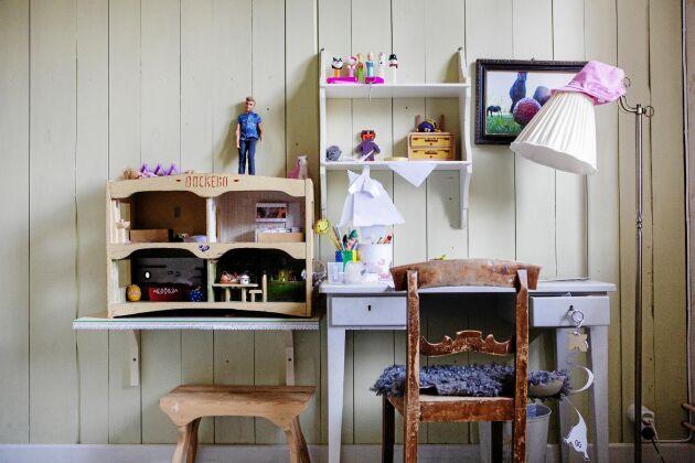 Dotterns Eleonoras rum, i en av de ombyggda kattvindarna på övre våningen.