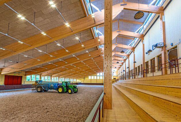 Byggansvariga har blivit bekvämare med att räkna på trä till stora projekt, anser Johan Fröbel, chef för teknik och distribution på Svenskt Trä.