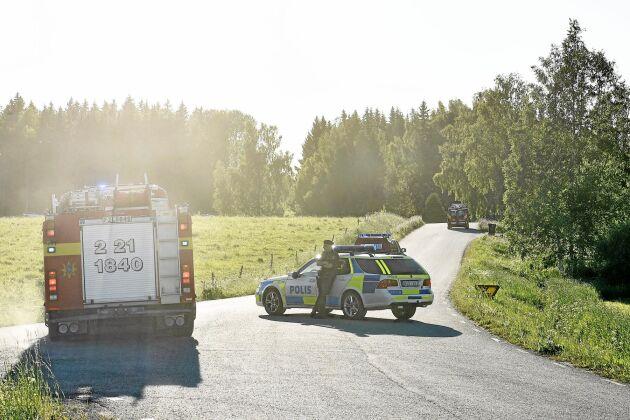 """Åtskilliga poliser arbetar runt brandhärdarna i Hälsingland. Eventuellt har de fått sällskap av falska """"kollegor""""."""