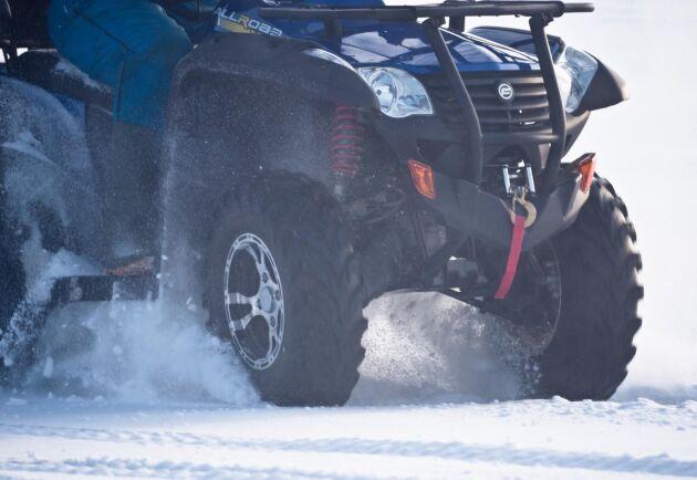 Tack vare snön var det enkelt för polisen att spåra fyrhjulingarna. Arkivbild.