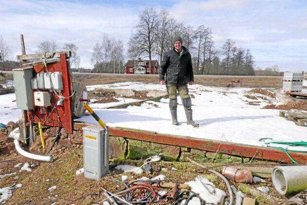Christer Johansson Trots att Räddningstjänsten var på plats efter tre minuter gick ingenting att rädda. Ladugården blev snabbt övertänd.