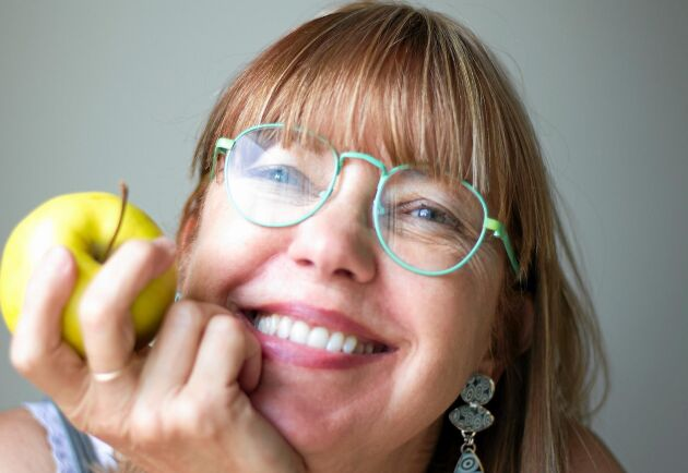 Äpplen innehåller nyttiga bakterier som gör gott för din tarmflora, enligt en ny studie. Men det gäller att peta i sig hela äpplet.