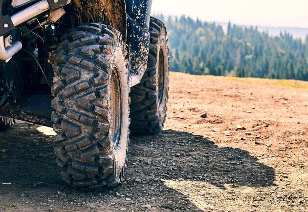 En skogsföretagare som kör med fyrhjuling i jobbet ska inte behöva beskattas för det, anser debattören.