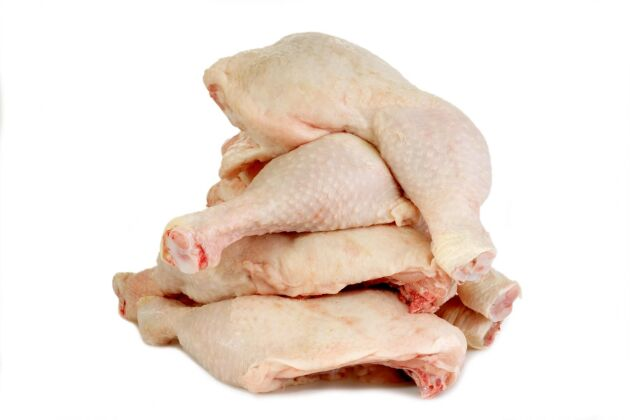 Trots larm om hög antibiotikaanvändning och dålig djurhållning ökar importen av kyckling