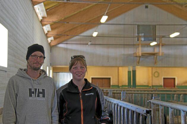 Fönster mot djuren. Roger och Maria Altbäck har utsikt som vetter mot stallet.