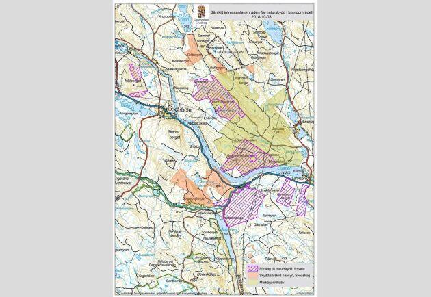 Markägarinitiativet till reservat i brandområdet syns med grön skuggning. Men resurser saknas och länsstyrelsens förslag är streckat i lila.