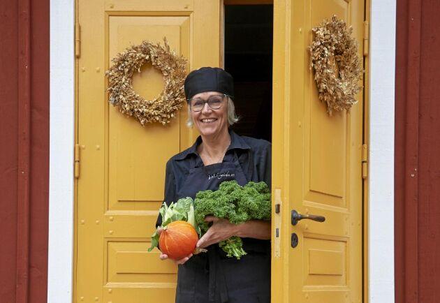 Susanne Ottosson lämnade jobbet som diakon för att istället starta en restaurang i sitt hem i den gamla klockaregården.